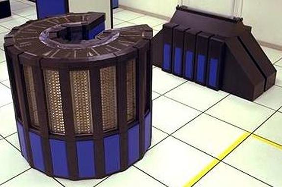 Ordinateur CRAY 2 utilisé en 1985 par la NASA...