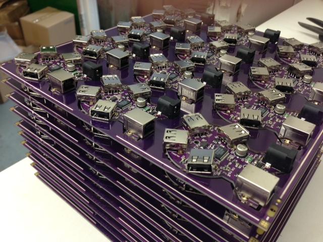 Cartes de circuit imprimé prêtes pour la découpe et le montage en boîtier
