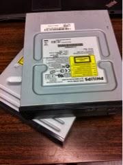 Deux graveurs de DVD trouvé à la décharge