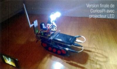 CuriosiPi complètement terminé, avec les LEDs allumées (photo Lucas Dupuis)