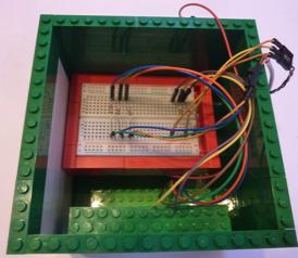 La carte prototype prend place au-dessus du Raspberry Pi