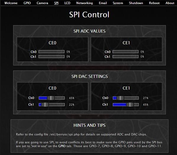 BerryIO - Il est possible de gérer 2 ADC et 2 DAC sur le bus SPI