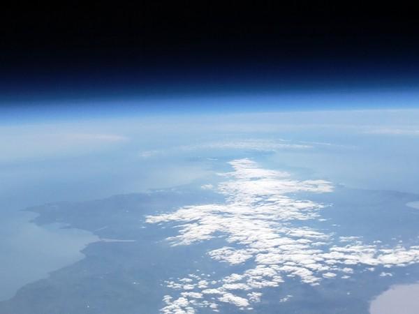 Photo prise à 40 Km d'altitude - Raspberry Pi et Caméra Pi - Autorisation de Dave Akerman