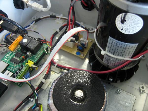 Intérieur du banc test de BSE Electronic (photo BSE)