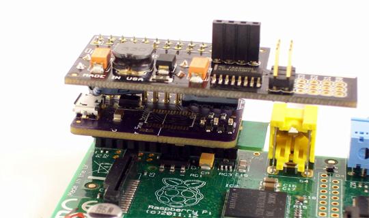 Carte PiConsole avec connecteur long et une carte supplémentaire connectée