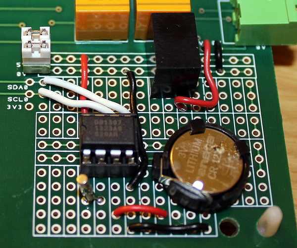 MatBoard - Un projet câblé sur la zone de prototypage (horloge RTC)