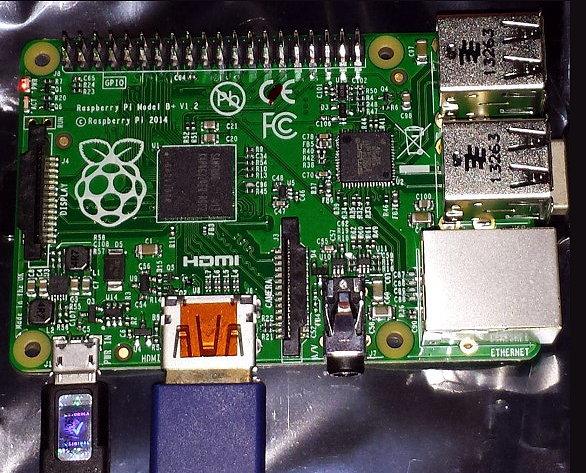 Raspberry_Pi-Model_B+vue_dessus