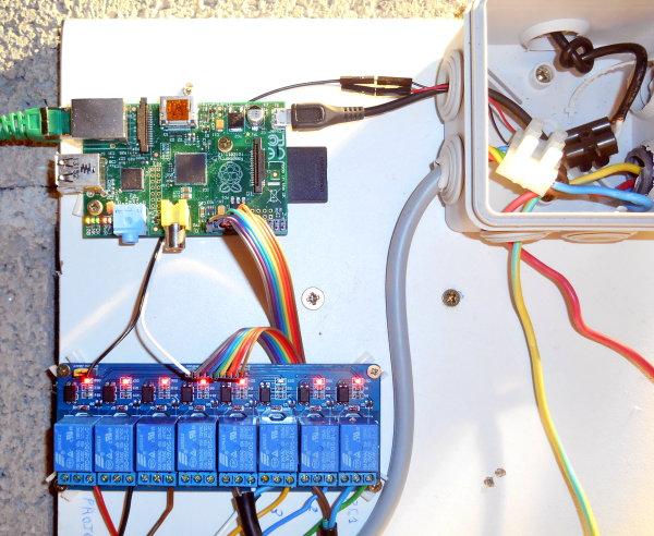 Magnifique L'installation domotique de Yohann - Framboise 314, le Raspberry &WF_43
