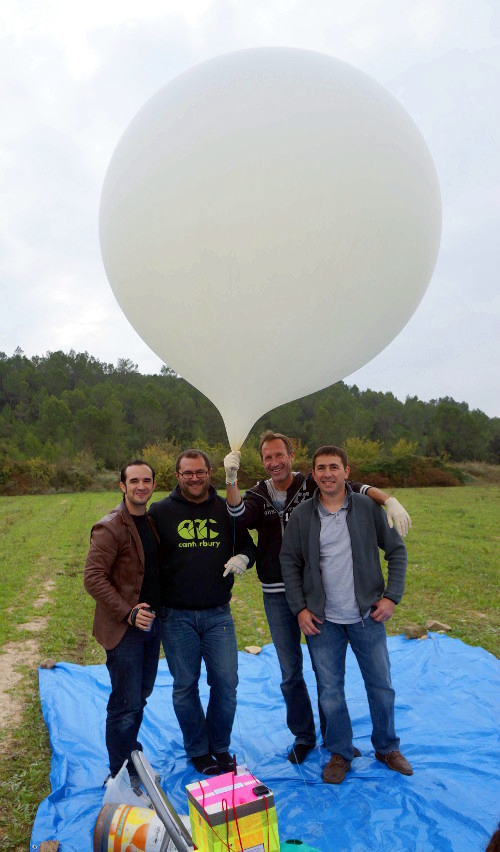 fab4space_ballon_full