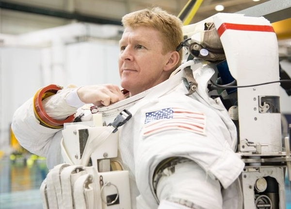 Tim_Peake_spacewalk_training_node_full_image_2