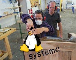 tux_systemd_250px