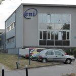 ENI est réparti sur plusieurs bâtiments. Les Editions sont plus loin..