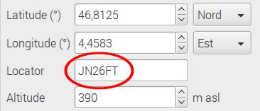 Les radioamateurs peuvent saisir leur QRA Locator dans la zone correspondante. Les coordonnées géographiques s'affichent automatiquement (ici latitude 46.8125 et Longitude 4.4583 pour un locateur JN26FT)