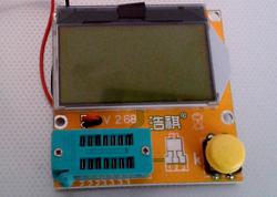 testeur_composants_-lcr-t3 photo de l'appareil