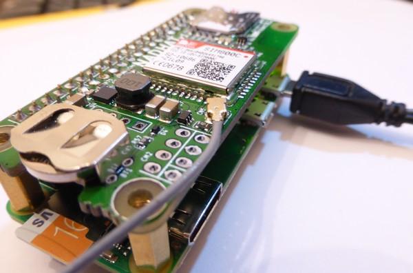 NadHAT pour envoyer/recevoir des SMS avec un Raspberry Pi Zero