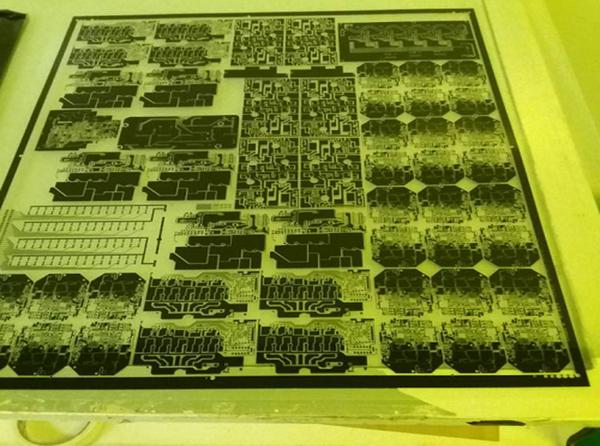Du fichier au film - fabrication de PCB chez JLCPCB