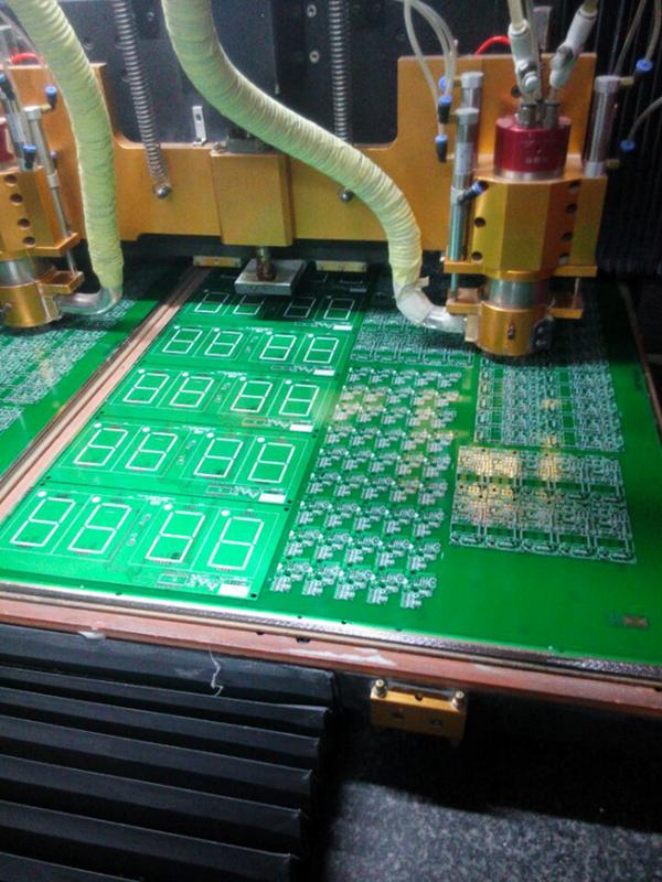 Séparation des PCB chez JLCPCB
