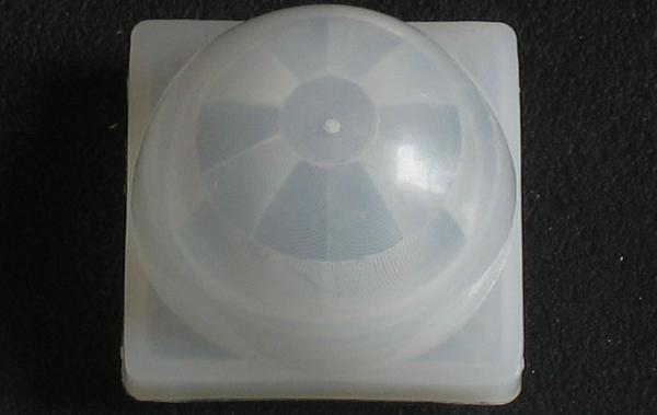 Multiples lentilles de Fresnel pour détecteur PIR